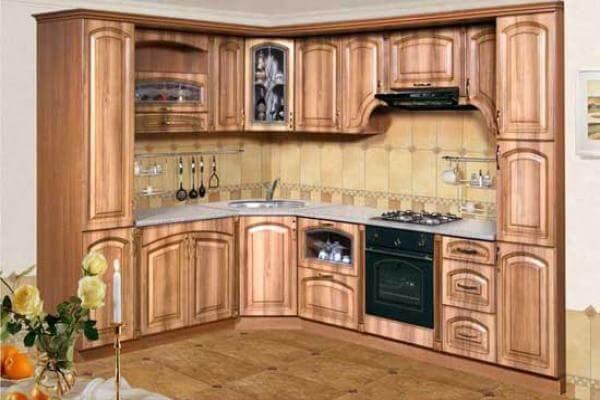 фасады для кухни отделаны пленкой ПВХ