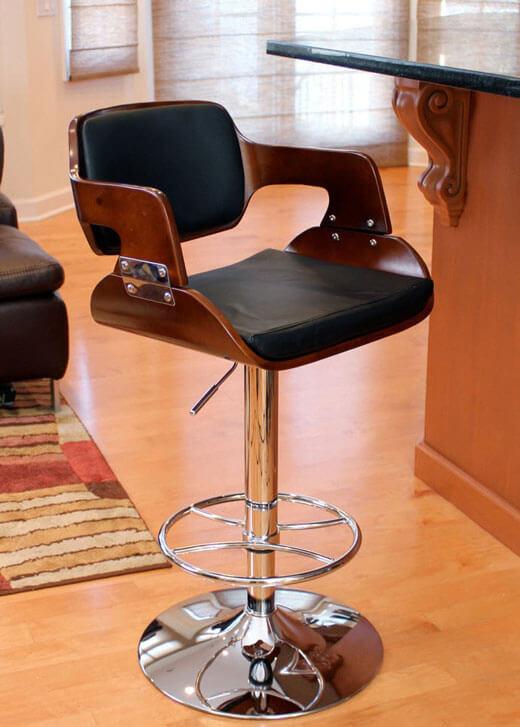 Барный стул для кухни с регулировкой высоты