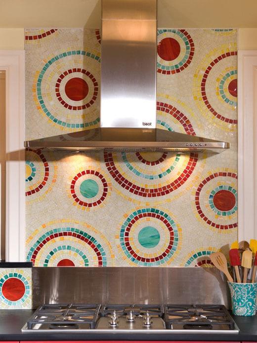 Фартука на кухне из мозаики смальта
