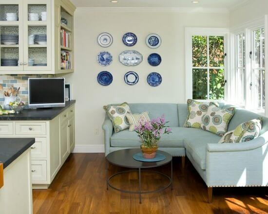 Угловая мягкая мебель для кухни