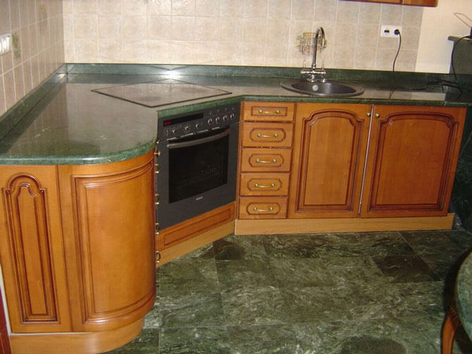 Угловая столешница для кухни