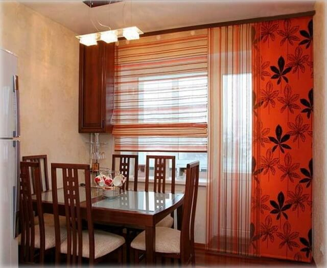занавески на кухню с балконом
