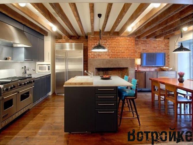 Интерьер деревянной кухни