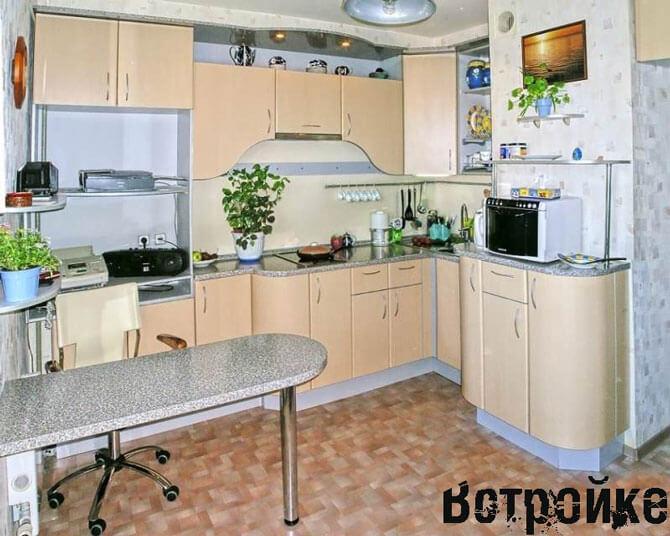 Дизайн кухни 10 м с вентиляционным коробом 144