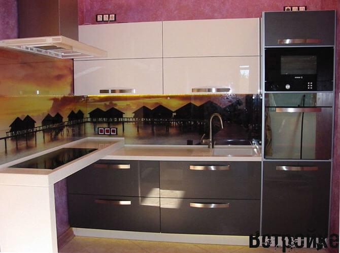 кухни с пластиковыми фасадами
