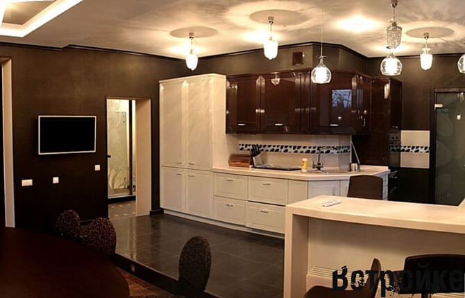 кухня в частном доме фото