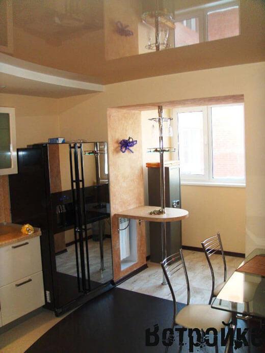Кухня и балкон объединены
