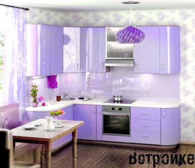Интерьер кухни в сиреневых тонах фото