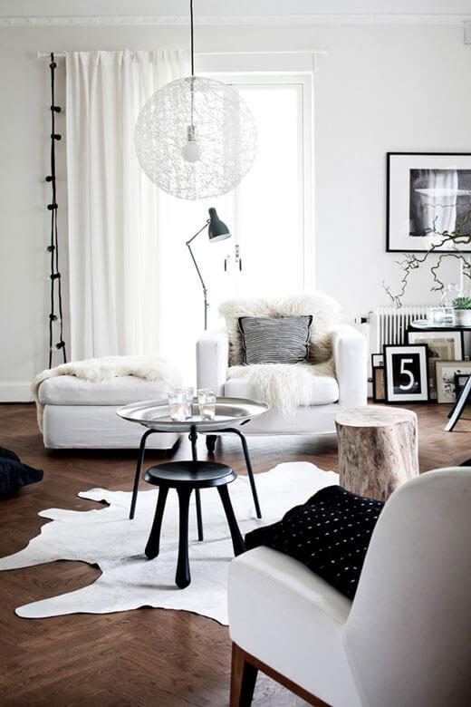 черно белый дизайн гостиной фото