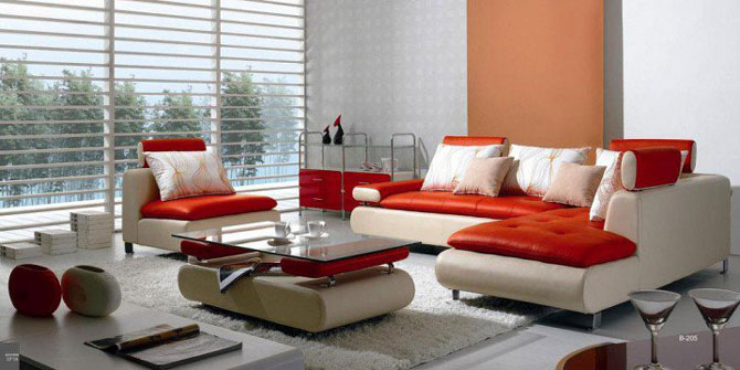 Кожаный диван в интерьере гостиной