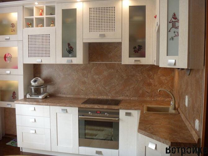 Фото ПВХ панели для фартука на кухне