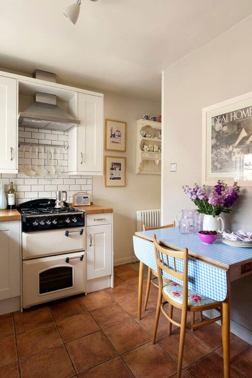 Раскладывающийся стол для кухни