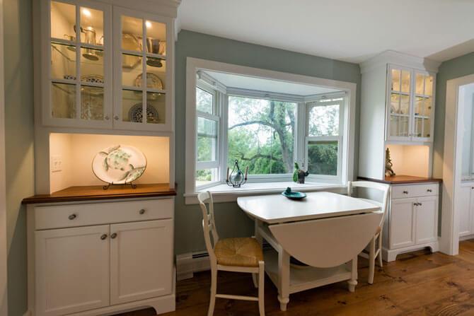 Раскладной овальный стол для кухни