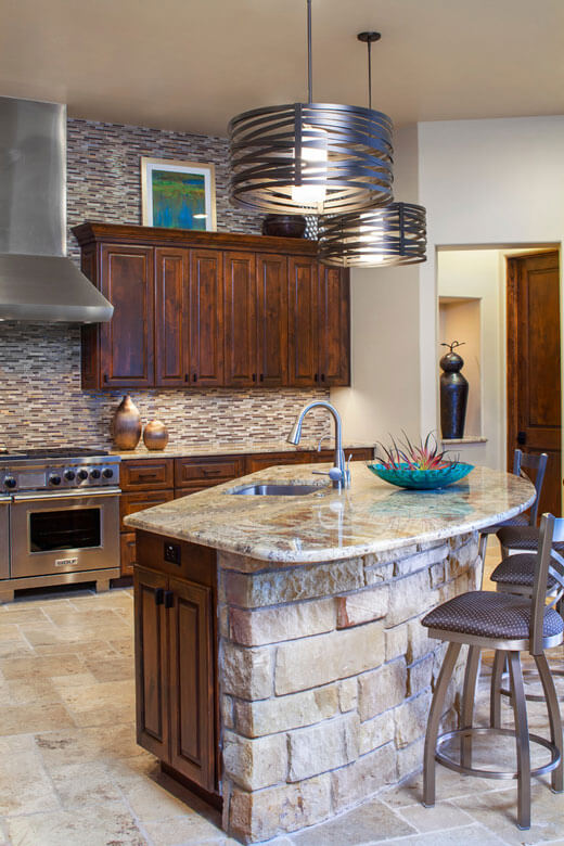 Стол из камня для кухни