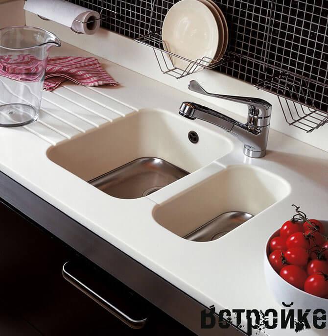 Cтолешница белого цвета для кухни