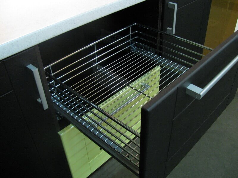 Корзины выдвижные для кухни
