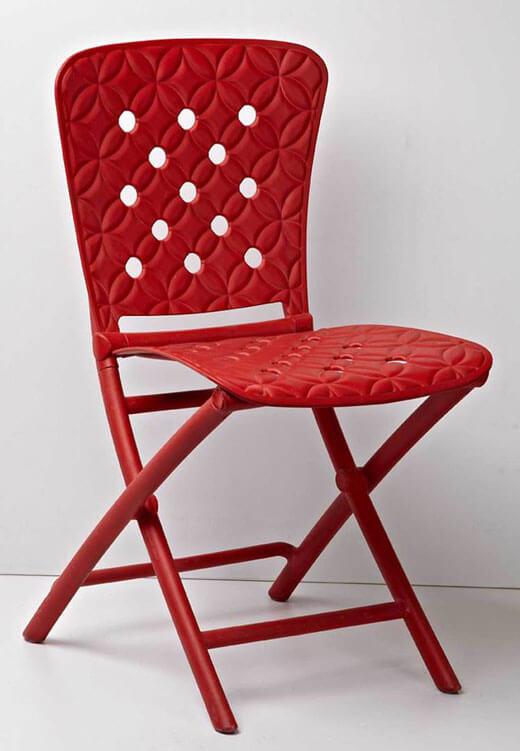 Пластиковый складной стул со спинкой