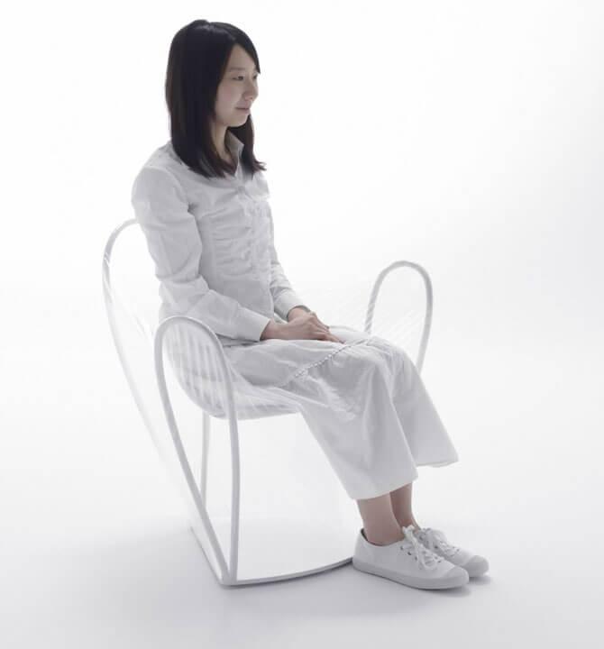 Прозрачный стул Nendo