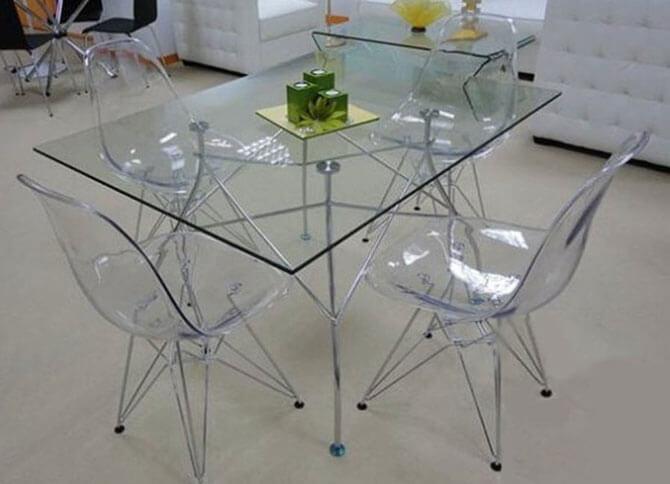 Прозрачные стулья из поликарбоната