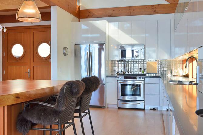 Кухонные стулья на металлокаркасе