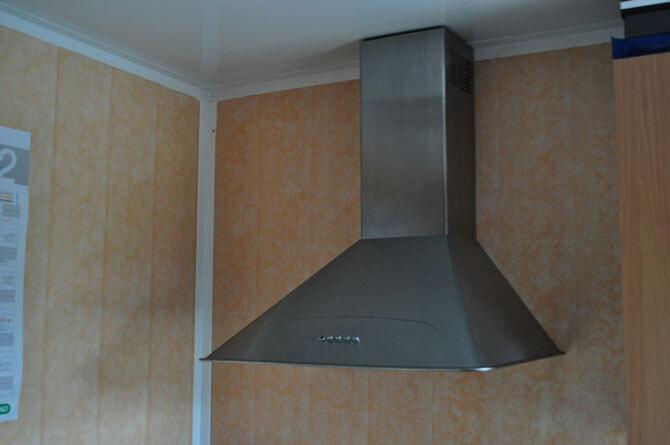 потолок на кухне из панелей