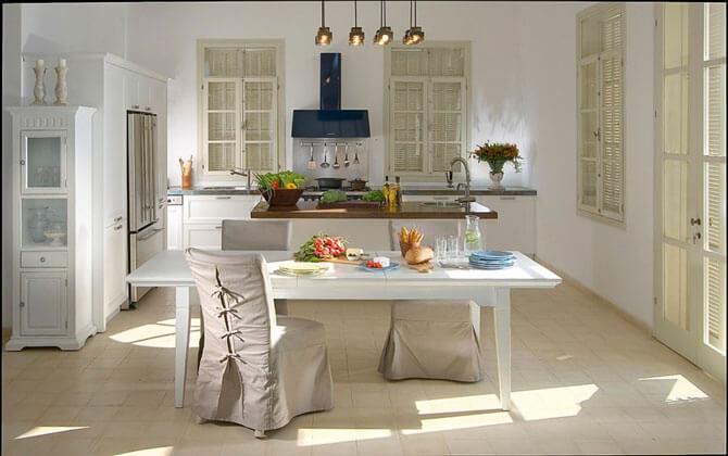 Белый стол для кухни