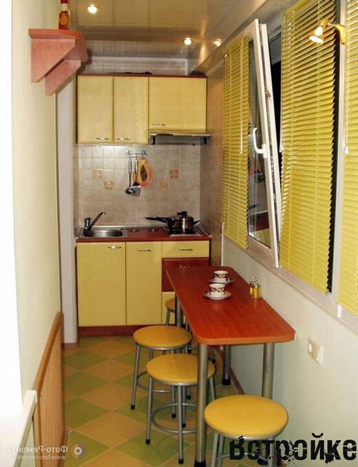 Интерьер кухни на лоджии