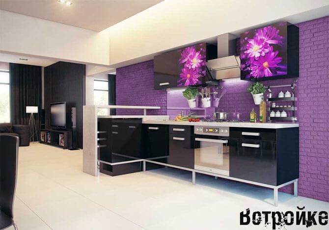 Сочетание черного и фиолетового цветов на кухне