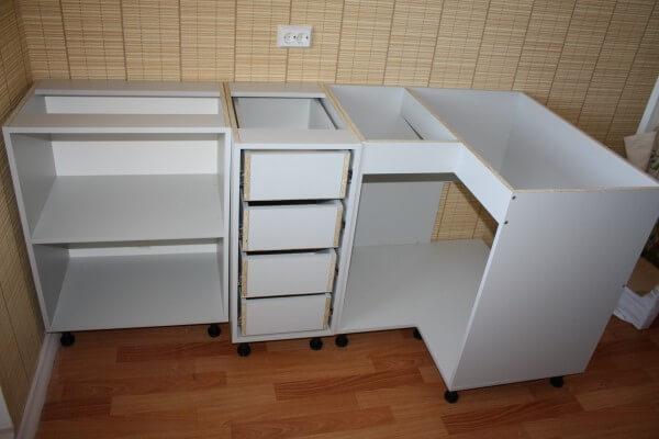 Процесс сборки шкафов