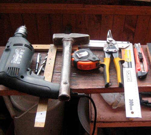 Инструменты для установки вытяжки