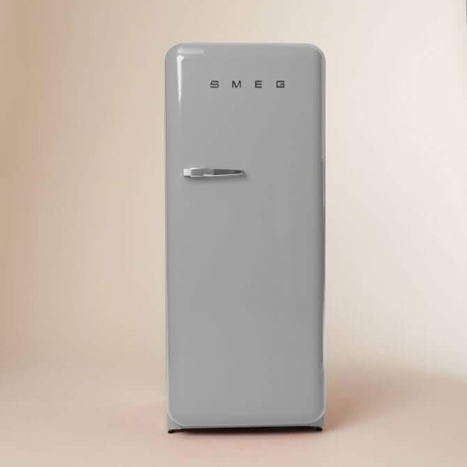 Холодильник Smeg серебристый